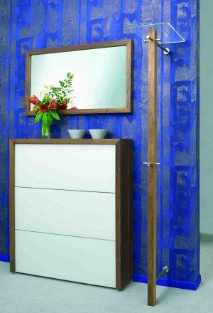 elegante garderobens ule aus robustem vierkantholz nussbaum vollmassiv oder vierkant stahlrohr. Black Bedroom Furniture Sets. Home Design Ideas